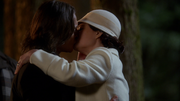 3x22 Gold Belle kiss