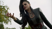 6x09 Evil Queen stopped