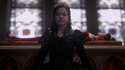 2x15 Snow White at funeral