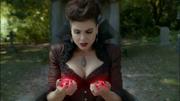 6x07 Evil Queen hearts