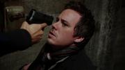 2x21 Neal gun