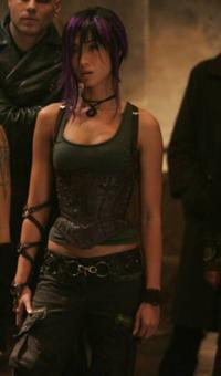 200px-Elizabeth Braddock (Earth-10005)-1-
