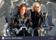 X-2-x-men-2-2003-x2-alt-famke-janssen-jean-grey-halle-berry-storm-BKN6XK