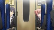 S2 Episode 1 Hachiman Yui Spying