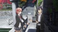 S2 Episode 1 Hachiman Yui Fountain