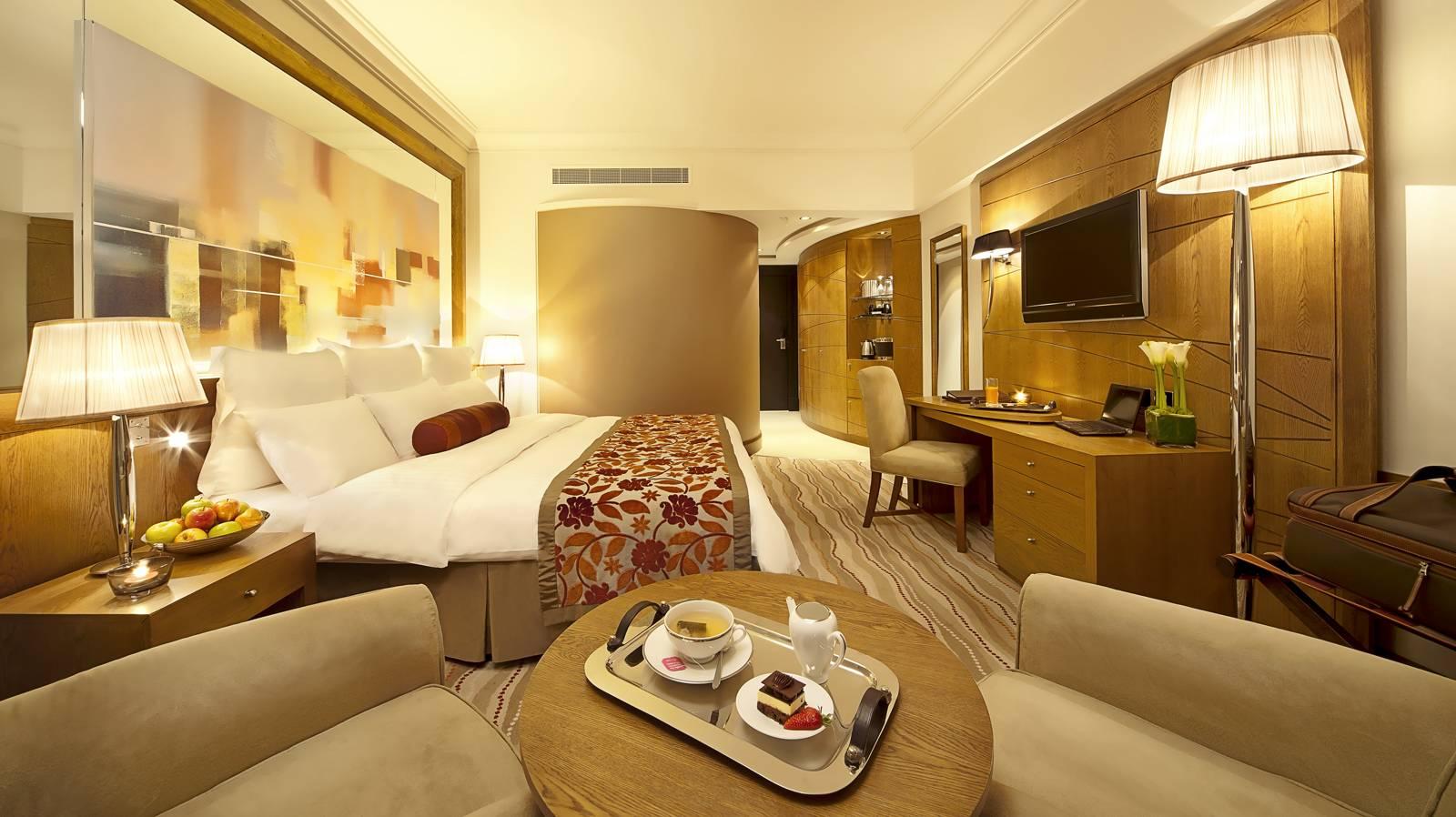 Gulf Hotel Bahrain - Luxury 5 star hotel in Bahrain - Luxury Room.jpg & Image - Gulf Hotel Bahrain - Luxury 5 star hotel in Bahrain - Luxury ...