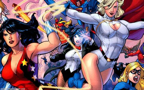 Women-of-DC-Widescreen-femme-fatales-8076579-1440-900