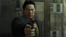 Kanai aims at Akiyama from calling the 999