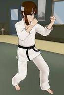 Mina au club d'arts martiaux