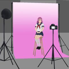 Modelo los accesorios del club de fotografía.