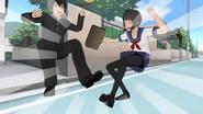 Yandere-chan zderzająca się z Senpai'em w starym intrze