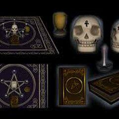 Objetos do altar no DeviantArt de Druelbozo.