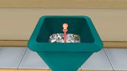 Жезл в мусорном баке