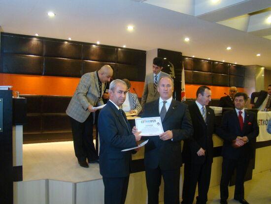 Kartal çetkoder ödülü alırken DSC09475