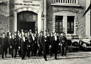 Atatürk TBMM'den çıkarken