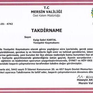 Mersin Valisi Hüseyin Aksoy'un verdiği takdirname