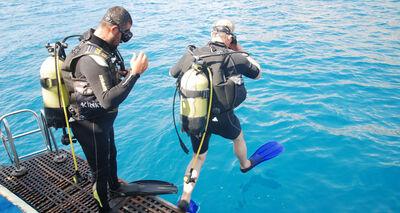 Denizler-terkedilmis-av-araclarindan-temizleniyor-1210908-664x354