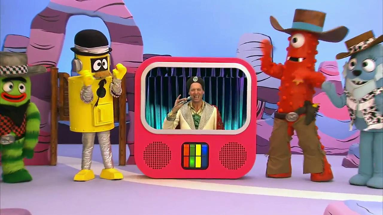Little Ones - Lets Dress Up - Yo Gabba Gabba!