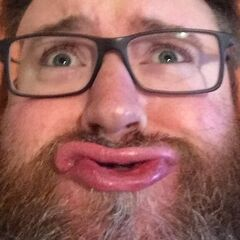 Simon's current Twitter avatar.