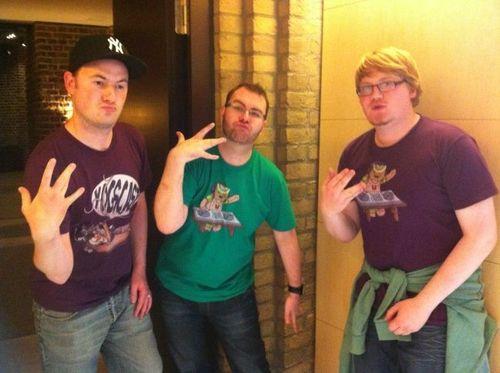 File:Duncan, Sjin, and Sips doing gang signs.jpg