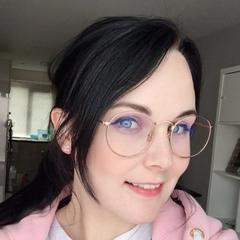 Nina's current Twitter avatar.