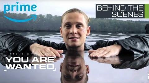 You Are Wanted Staffel 2 Behind the Scenes Matthias geht im Fake Lake baden