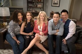 Young & Hungry Season 5 Group Promotional