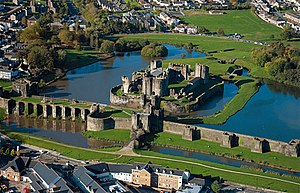 300px-Caerphilly aerial