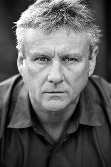 Aneirin Hughes (cast)