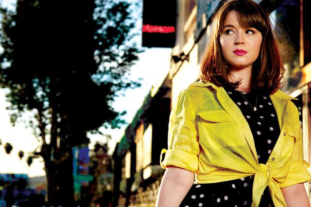 File:Cast Promotional Photos - Season 1 - Lindsay.jpg
