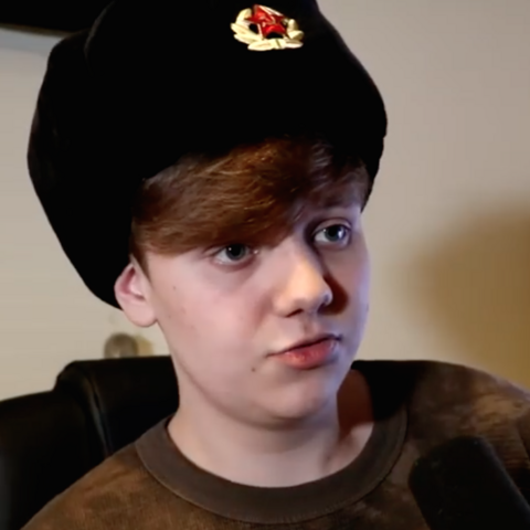 File:Pyrocynical Ushanka 2.png