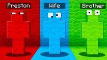 I PRANK MY FRIEND WITH RAINBOW CAMO! (Minecraft PE Hide and Seek)