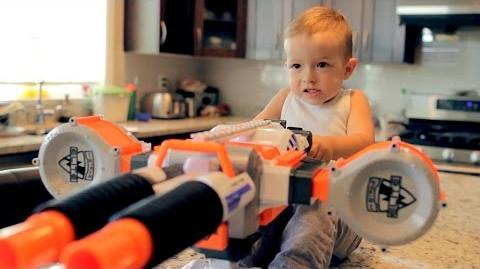 Nerf War- Gun BABY 2!