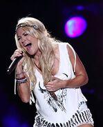 Carrie Underwood9