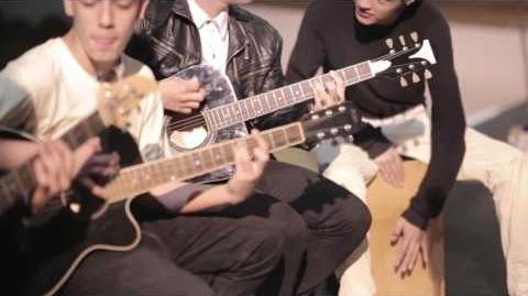 Mas Que Amigos - Gravity (ACUSTICO) (One Mic, One Take)