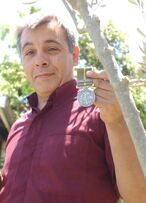 Santiago acera medalla