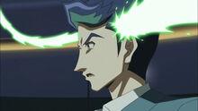 Akira siendo alcanzado por el Enlace Neurón