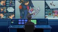 Armstrong esta espiando las tarjetas de Yusei