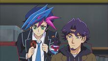 """Yusaku mostrando su """"Mago Ciberso"""""""