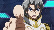Aster señalando a Yuya