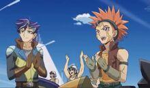 Shinji y Cuervo aplaudiendo