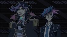 Ai y Yusaku en la fáibrca de SOL
