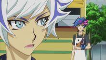 Ryoken hablando con Yusaku