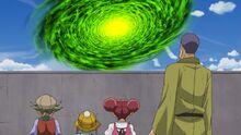 Chojiro y los niños observando una brecha