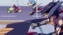 Cuervo animando a Yuya