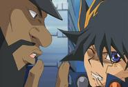 Armstrong amedrenta a Yusei