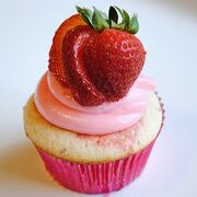 Strawberry Margarita Cupcake (1)