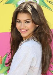 Zendaya-coleman-26th-annual-kids-choice-awards-07