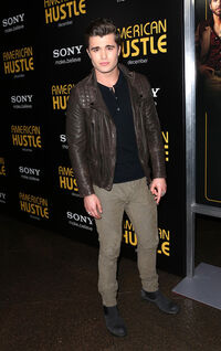 Spencer Boldman American Hustle Screening ZVnPJtodaNrl