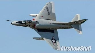 A-4 Skyhawk Aerobatics - Northern Illinois Airshow 2017